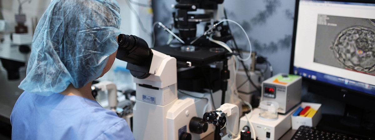 pacgenomics-embyo-biopsy-lab